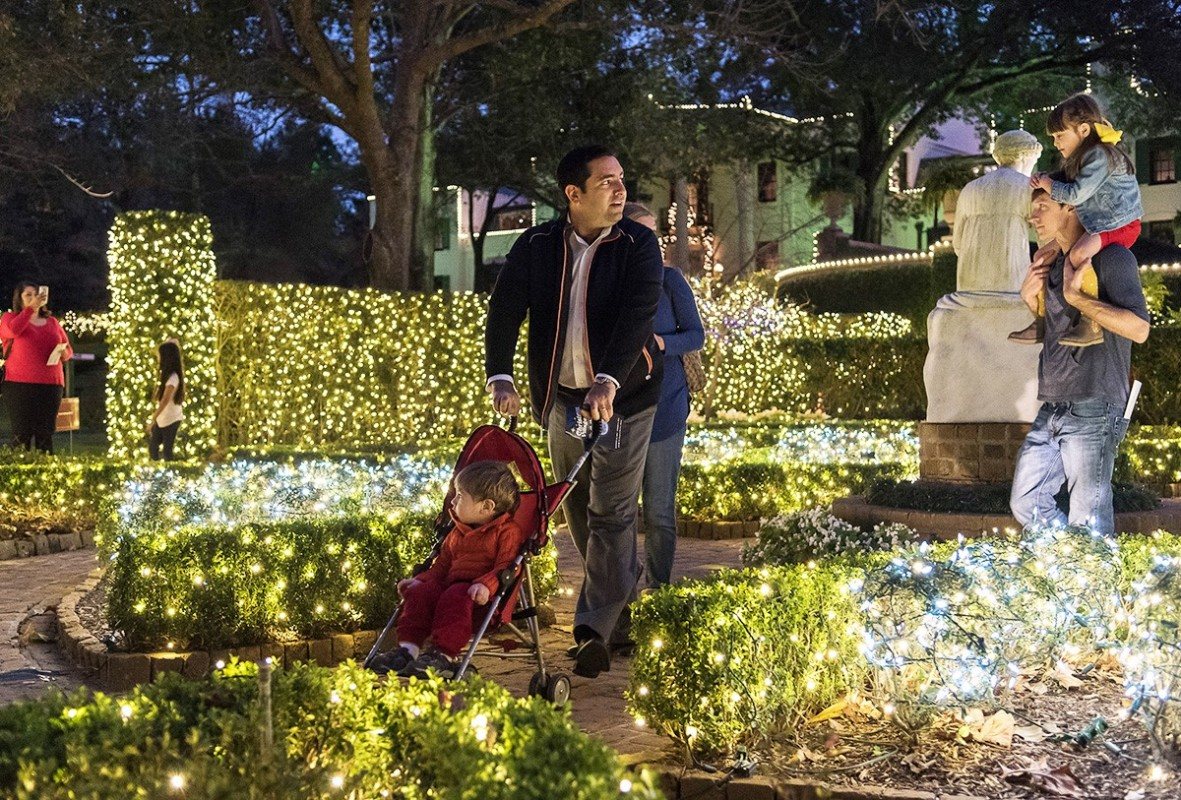christmas village at bayou bend - Christmas In The Bayou