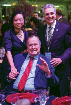 Dr. Lynda Chin, President George H.W. Bush and Dr. Ronald DePinho