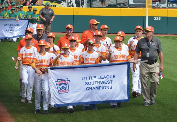 Post Oak Little League coaches and players