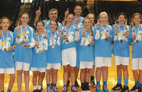 The 11-13 girls Sky team