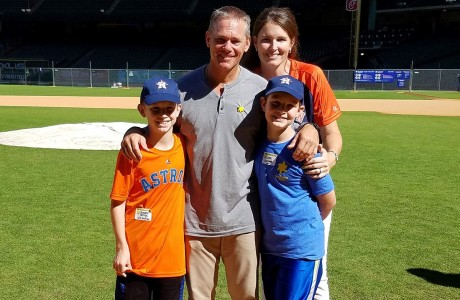 Craig Biggio with the George family
