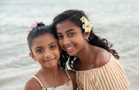 Esha and Maya Bhavsar