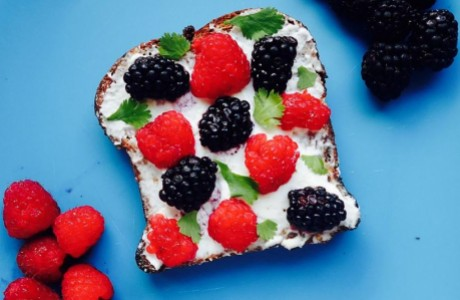 Berries and Cream Cheese Toast