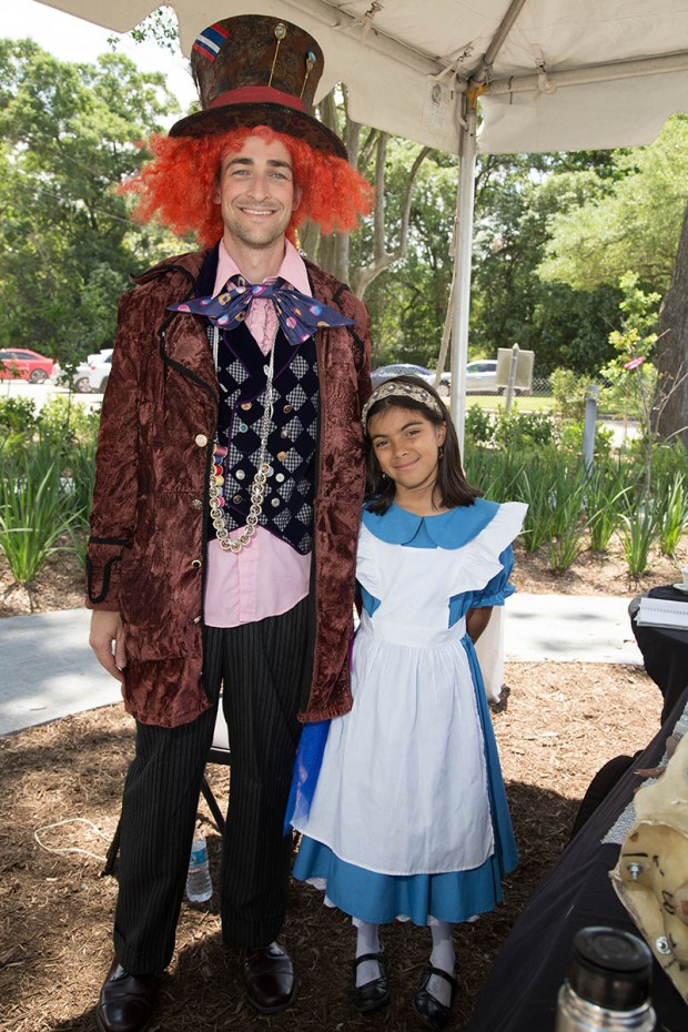 Mad Hatter and Alice in Wonderland