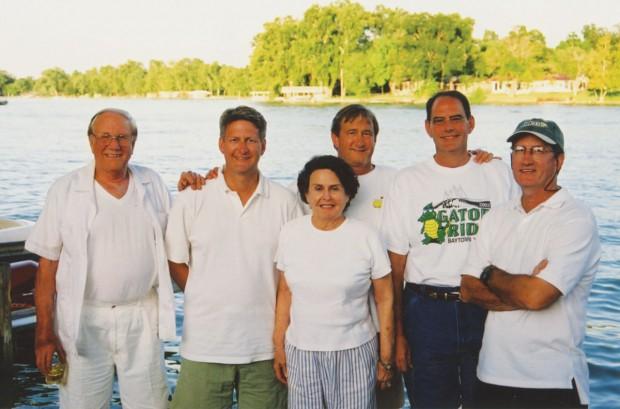 Dan Mundinger Sr., Erich Mundinger, Nancy Mundinger, Will Mundinger, Calvin Mundinger, and Dan Mundinger Jr.