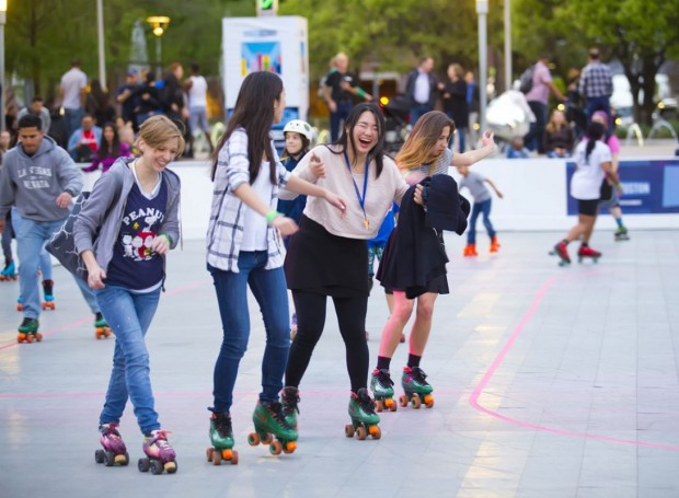 Avenida Houston presents The Rink: Rolling at Discovery Green